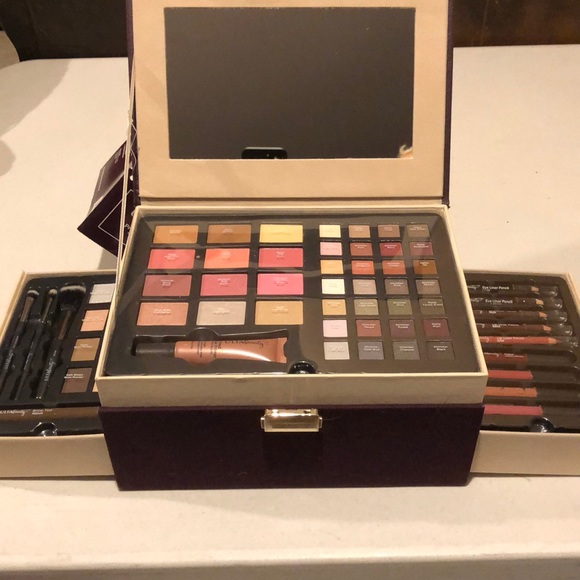 ULTA Pretty \u0026 Polished 62 Piece Collection makeup NWT